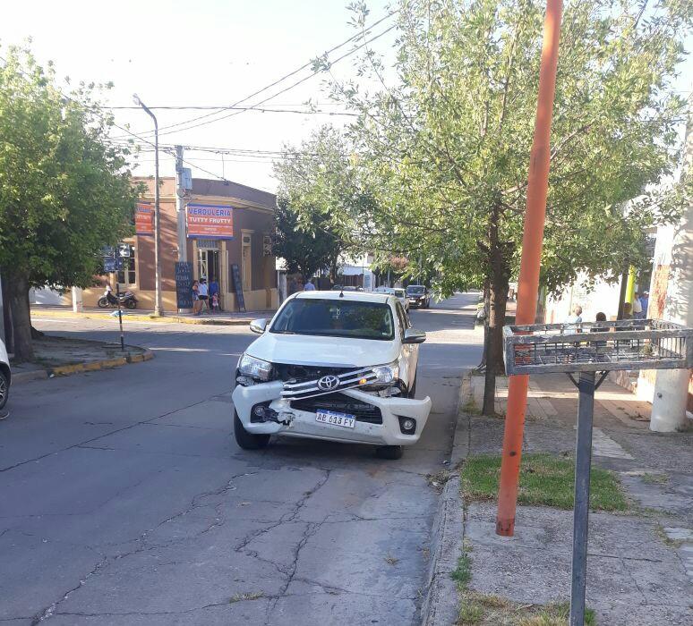 accidente mansilla camioneta blanca - Dos accidentes ocurrieron en la tarde del viernes