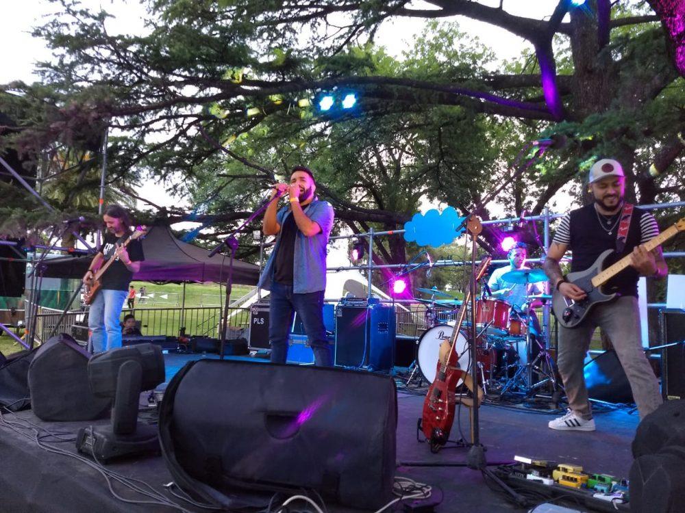 Gonna, banda de Alta Gracia, ayer en el escenario
