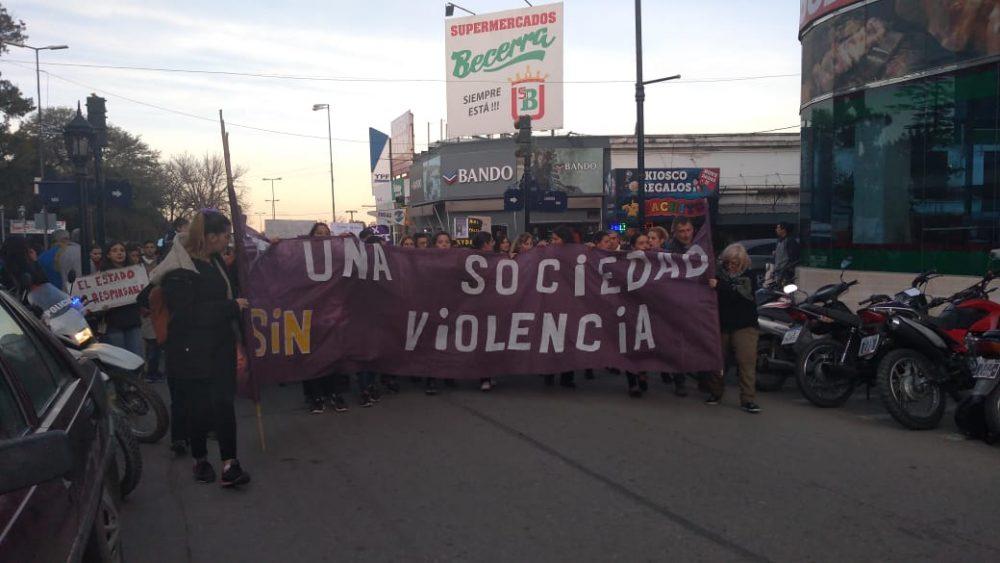 niunamenos una sociedad sin violencia - Multitudinaria marcha de #Niunamenos en Alta Gracia