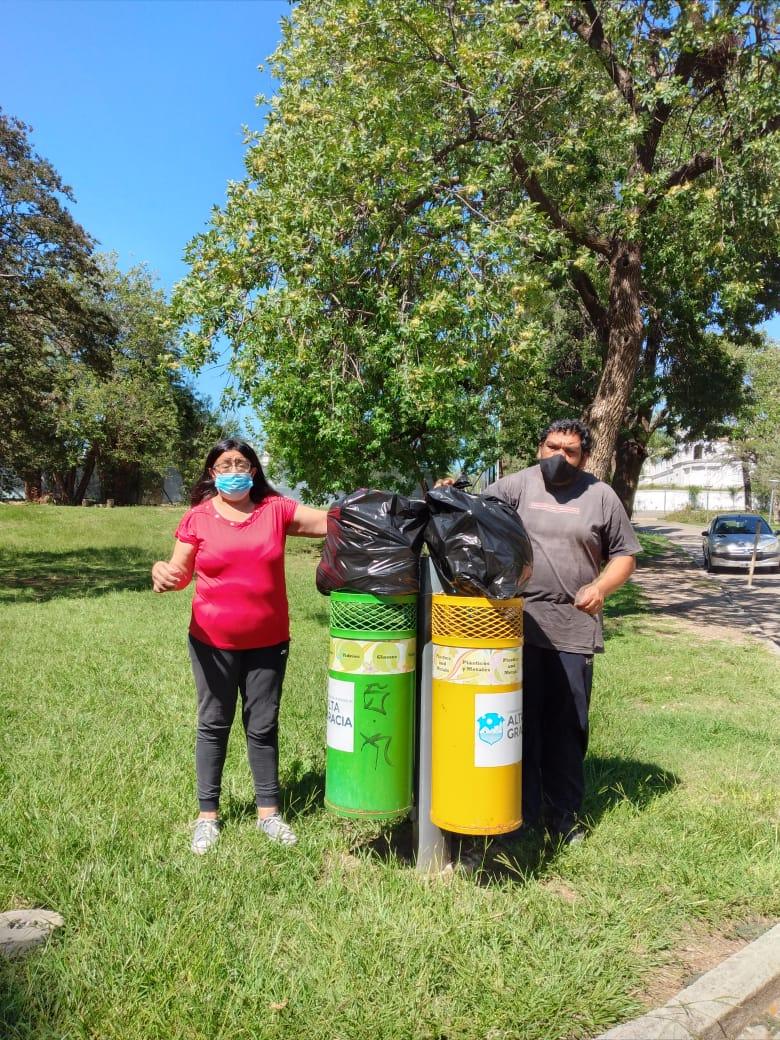 crecer limpieza - Asistentes de Crecer limpian el Parque del Sierras Hotel