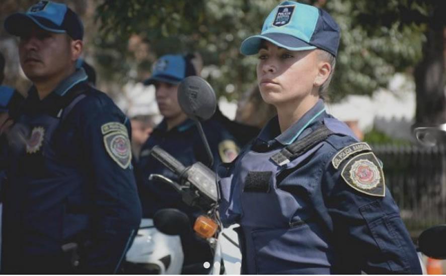 mujer policia futbol 2 - Córdoba: Betiana, mujer policía que fue convocada por el seleccionado argentino del fútbol femenino
