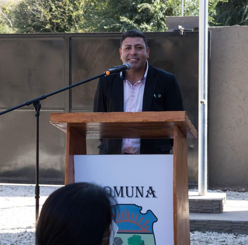 nelson lujan inauguracion comuna - Villa del Prado inauguró su nuevo edificio comunal y la primera cuadra de pavimento articulado